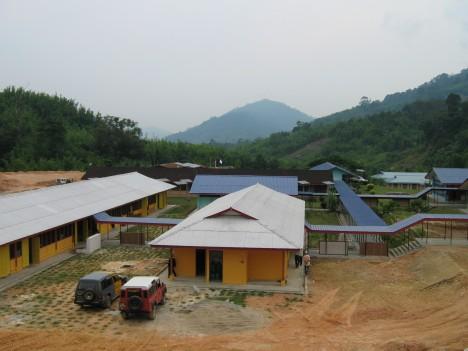 Pemandangan SK Lenjang dari atas bukit